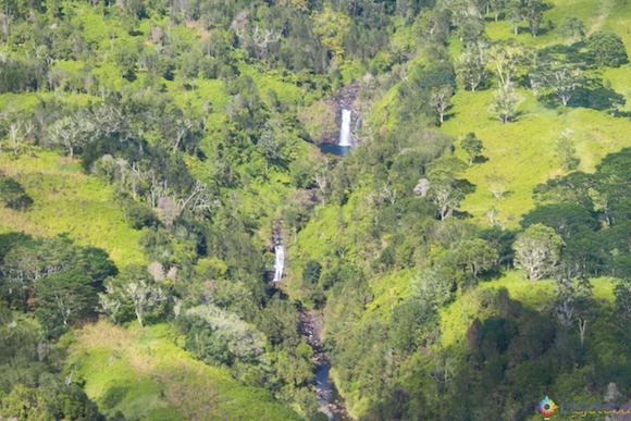 Cachoeiras na Big Island no Hawaii vista do passeio de Helicóptero