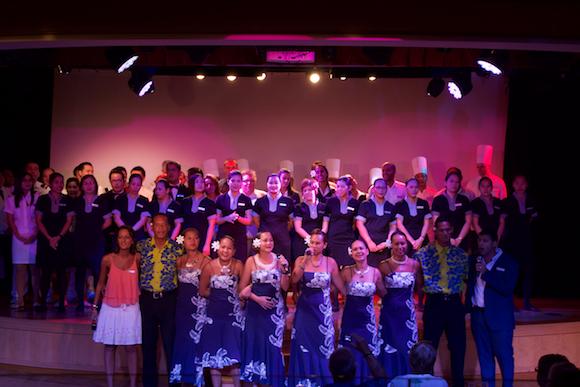 Despedida da tripulação no Cruzeiro na Polinésia com a Paul Gauguin Cruises