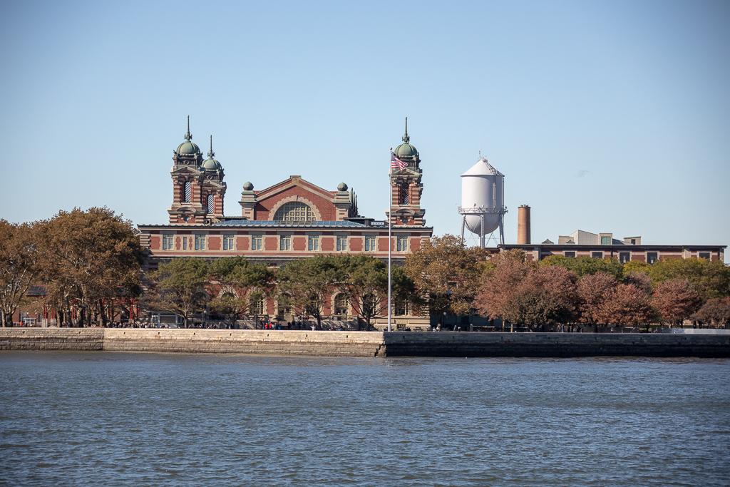 Ellis Island em Nova York funcionou como centro de triagem para os imigrantes recém chegados na América