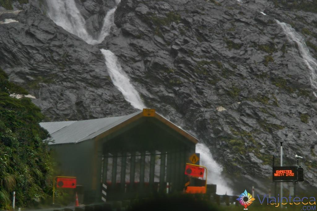 Estrada para o Milford Sound na Nova Zelândia 11