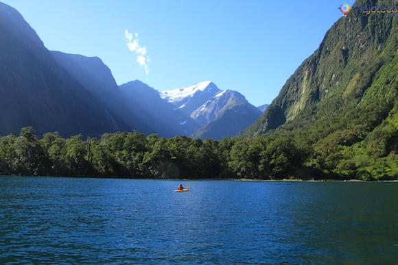 Harrison's Cove em Milford Sound na Nova Zelândia
