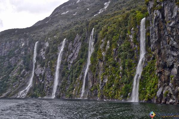 Milford Sound com Chuva