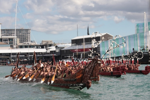 Wakas: Canoas Maori no Museu Marítimo de Auckland na Copa do Mundo de Rugby