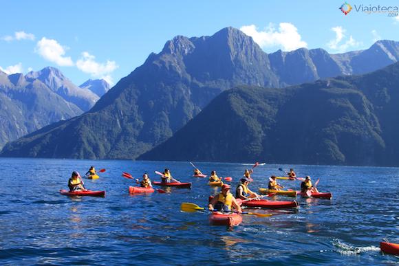 Passeio de Kayak no Milford Sound na Nova Zelândia