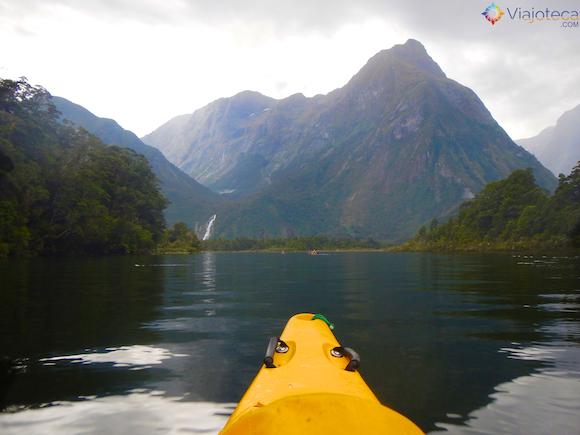 Passeio de Kayak pelo Milford Sound