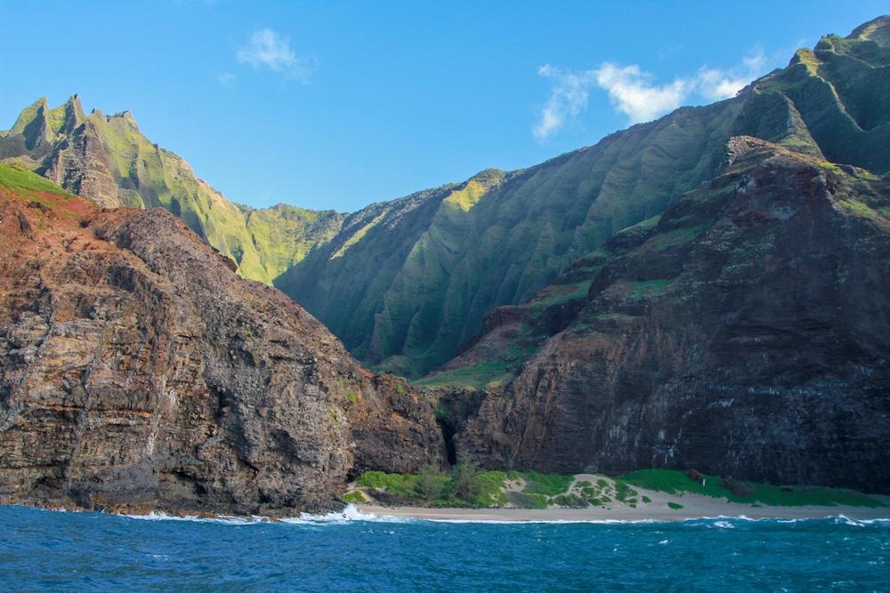 Passeio de barco pela Nā Pali Coast em Kauai