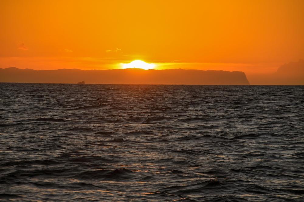 Por do Sol Passeio de barco pela Nā Pali Coast em Kauai