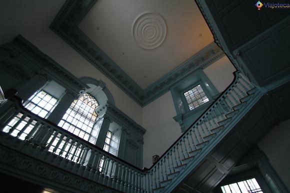 Escadaria no interior do Independence Hall