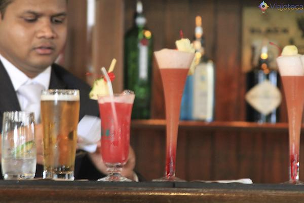 Singapore Sling: O drink simbolo de Singapura no Raffles Hotel