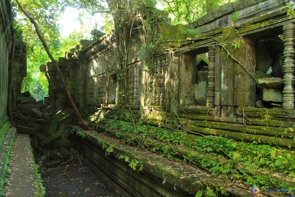 Templos no Camboja- Boeng Melea (14)