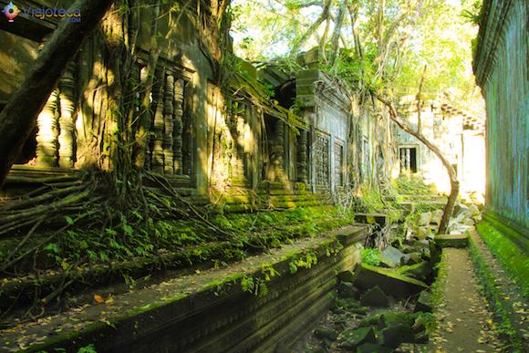 Templos no Camboja- Boeng Melea (15)