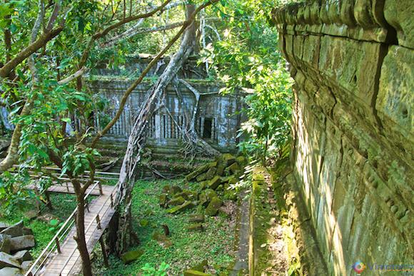 Templos no Camboja- Boeng Melea (18)