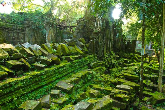 Templos no Camboja- Boeng Melea (22)