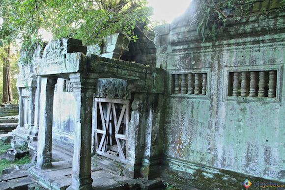Templos no Camboja- Boeng Melea (26)