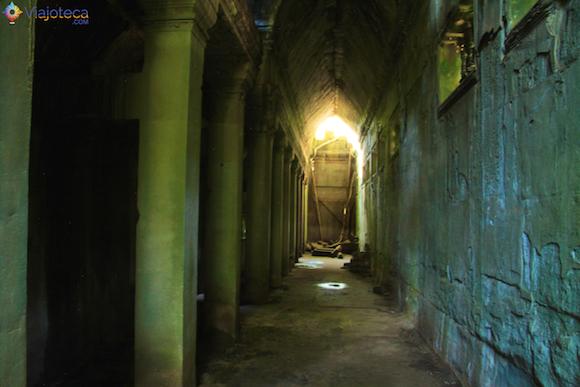 Templos no Camboja- Boeng Melea (9)