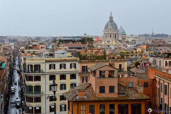 Vista do alto da Piazza di Spagna em Roma