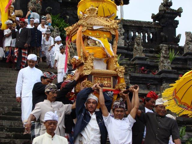 Bali Cerimonia Religiosa