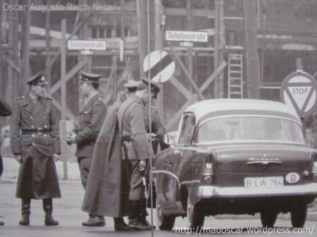 Checkpoint Charlie  - Controle