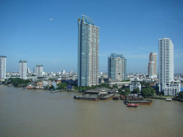 Vista do Quarto Ramada Hotel Bangkok