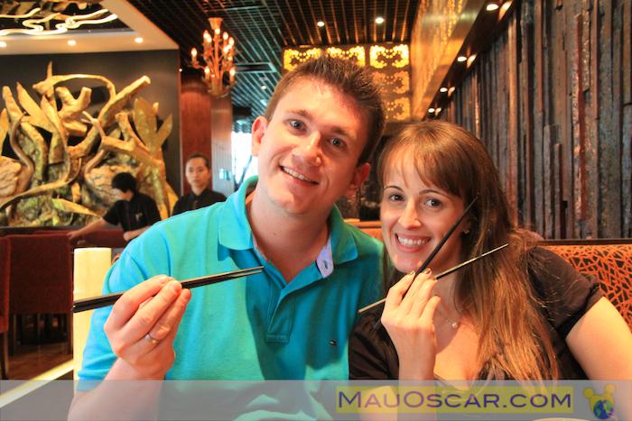 Mau e Paola no Paradise Dynasty Dumplings em Cingapura