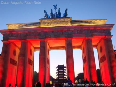 Portao de Brandenburgo - Vermelho