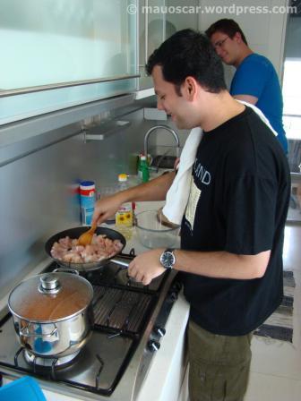 Preparando o Butter Chicken