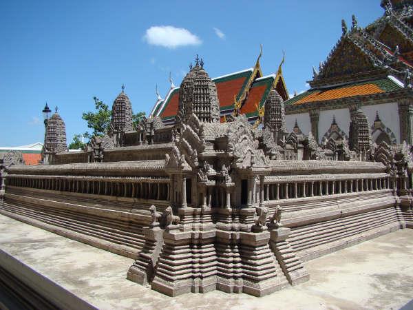 Replica Angkor Wat