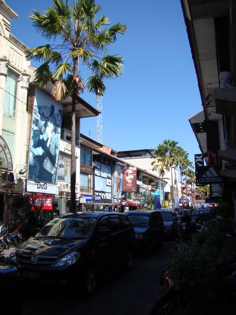 Rua principal Kuta